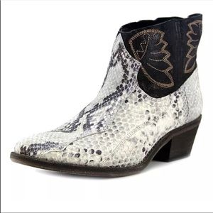 NEW! Free people Dorado Black western boots
